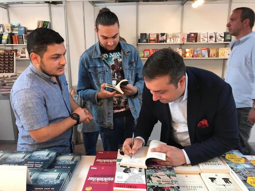 İzmir Çakabey kitap günleri mart 2019 ozan bingöl 1
